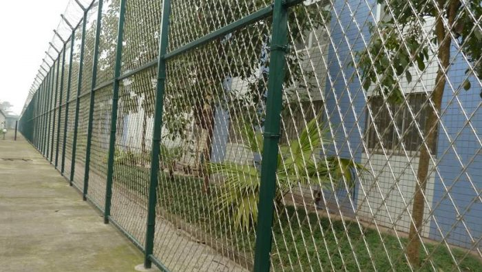 welded razor mesh fence for residences