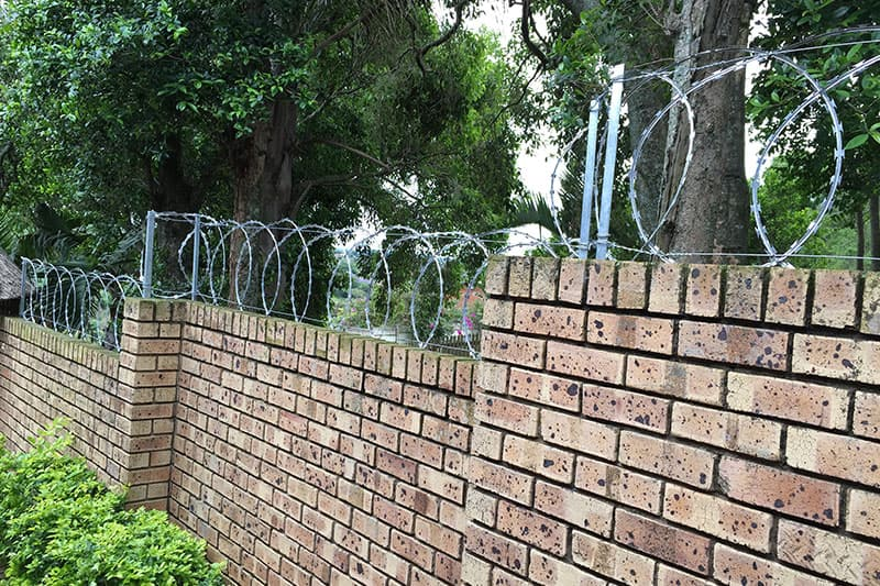 2019 Razor wire fence installation guide - Dongfu