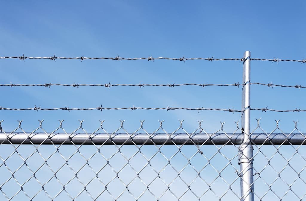 3 rail chain link fence barbed wire